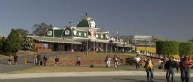 Parco divertimenti : Battello si rovescia e intrappola i passeggeri - 4 morti