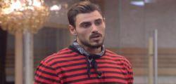 GF Vip Francesco Monte, frase omofoba ... Bacio con la lingua tra donne?