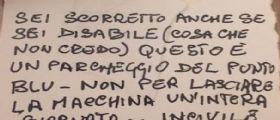 Reggio Emilia - invalido insultato al parcheggio : Sul parabrezza trova due biglietti offensivi