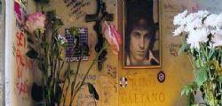 Saccheggiata la tomba di Rino Gaetano