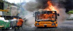 Reggio Emilia, Autobus extraurbano in fiamme : Nessun ferito