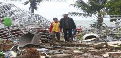 Tsunami Indonesia: centinaia di morti e feriti, il bilancio salirà ancora