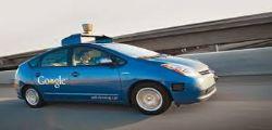 Google Self-Driving Car Project : Google mostra auto che si guida da sola senza volante