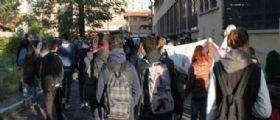 Allarme bomba rietroto a Milano : Evacuate le scuole