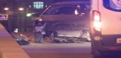 San Pietroburgo, salta il ponte con l'auto come in Blues Brothers : ferito un 29enne italiano
