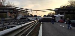 Lecco : crolla un cavalcavia sulla statale 36 e travolge due auto