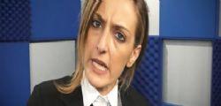 La Iena Valeria Castellano aggredita dopo un intervista : Il parroco si dimette