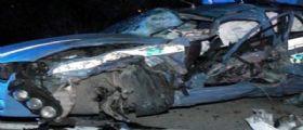 Benevento / Furgone contro auto della polizia : Tre i feriti, un agente grave