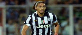 Giocatore della Juventus Martin Caceres si schianta contro fermata bus : Positivo all