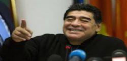 Maradona al San Carlo : cori da stadio e lunghe file