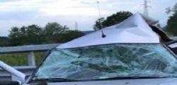 Dramma in A5! Tir si schianta contro auto: morta una donna, feriti i figlioletti