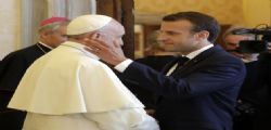 Presidente Macron e la gaffe con Papa Francesco : I bretoni sono la mafia francese