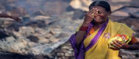India : Crolla un ponte, decine di veicoli precipitano in fiume