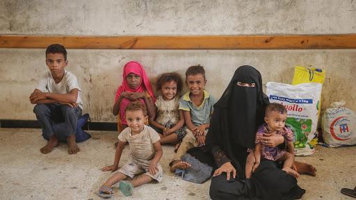 Yemen: nove bambini sfollati su dieci lottano per avere cibo, acqua, istruzione