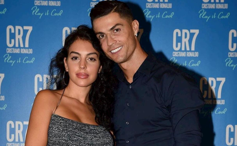 """""""Tutto in gran segreto"""". Cristiano Ronaldo e Georgina, uno s"""