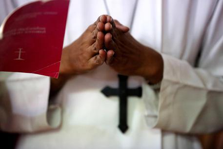 India, suora accusa un vescovo di stupro, il Papa lo rimuove