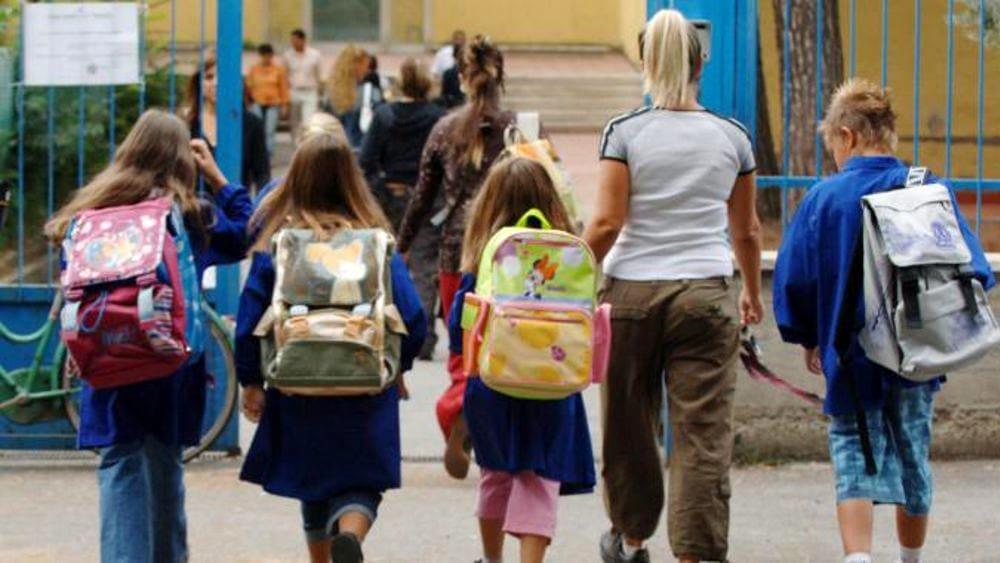 Primo giorno di scuola nel caos sulla Roma-Lido. Tratta torni al Campidoglio