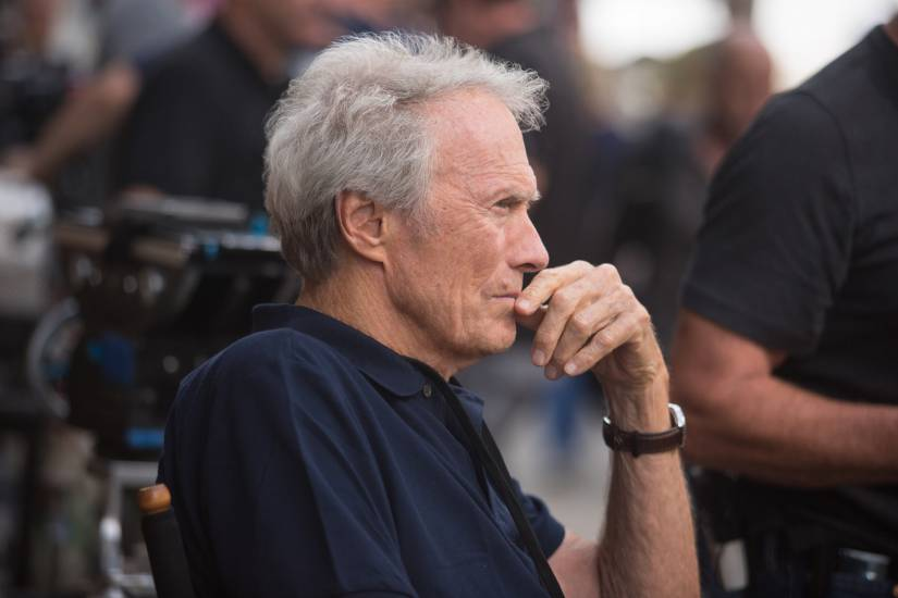 Hollywood in fiamme ma Clint Eastwood non si muove: Devo fin