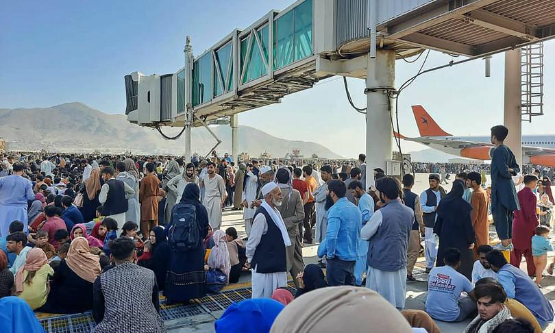 Afghanistan: Concluse all'aeroporto di Fiumicino le operazioni di accoglienza di circa 800 profughi