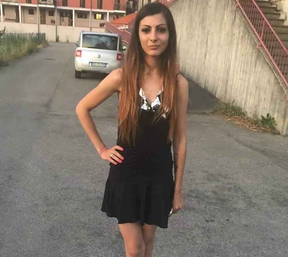"""Giulia Lazzari uccisa dal marito. La gelosia su WhatsApp: """"N"""