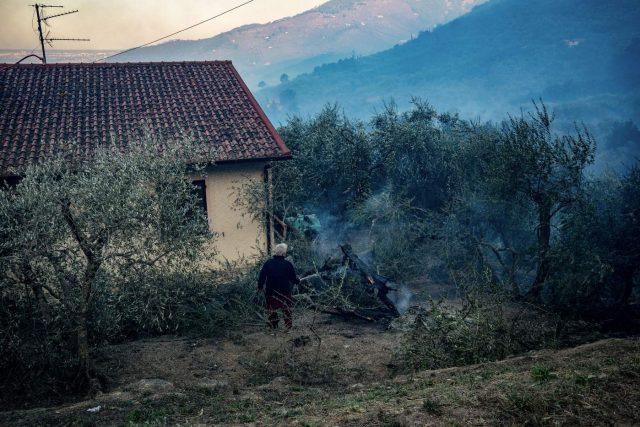 Pisa, incendio Monte Serra : situazione sotto controllo