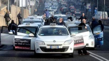 Campania : Richiesta urgente di sostegno economico per la categoria taxi