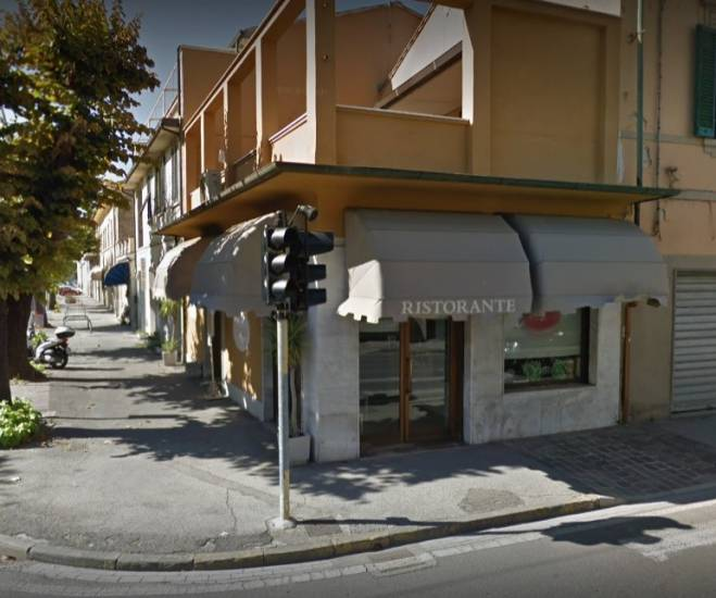 Pisa, distrugge ristorante, terrorizza clienti: straniero gi