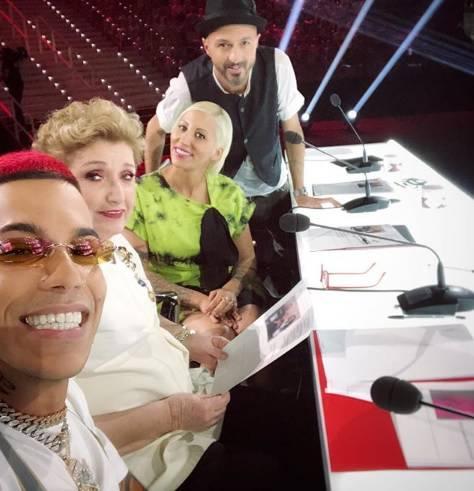 Sfera Ebbasta sfotte sui social chi boicotta X Factor