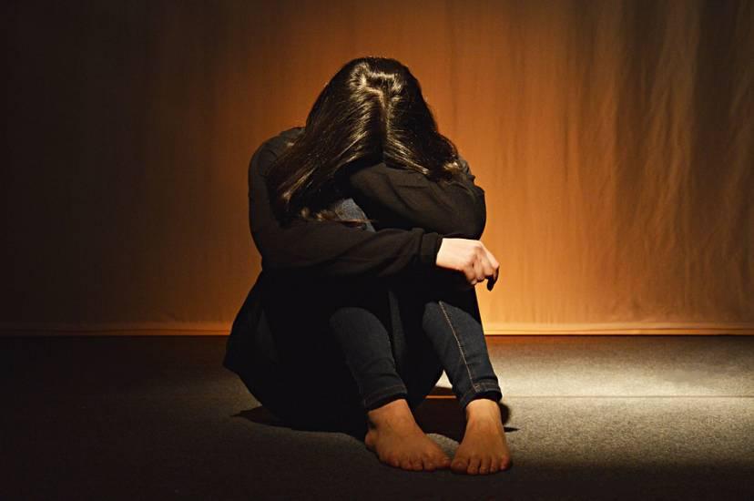 Stanca degli abusi ragazzina tentò il suicidio! 12 anni al p