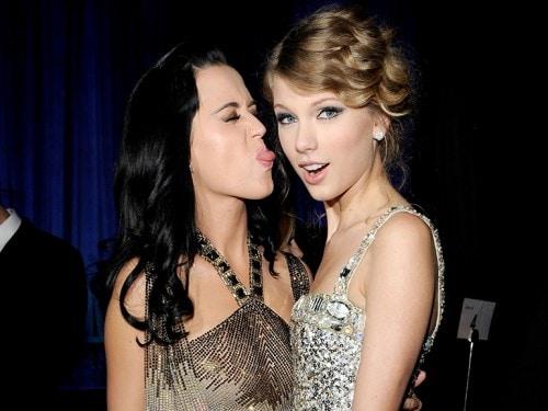 Sono bastati dei biscotti! Pace fatta tra Katy Perry e Taylor Swift