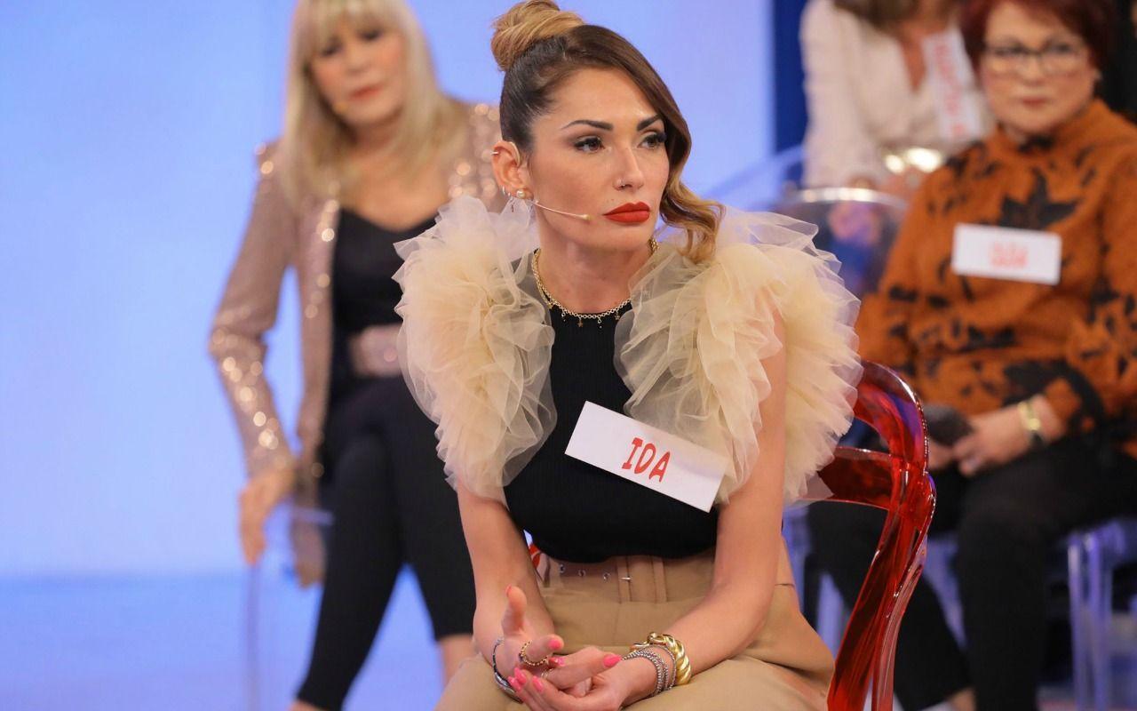 Ida Platano torna a Uomini e Donne è scoppia in lacrime