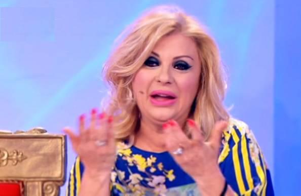Tina Cipollari su Gemma Galgani ... è dispettosa, il pubblico non vede cosa mi fa