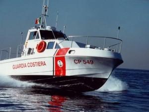 Gargano: donna cade dalla barca guidata dal marito e muore a