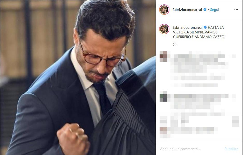 Niente carcere per Fabrizio Corona : Festa sui social
