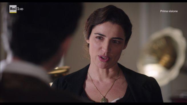 La Vita Promessa, terza puntata: Carmela cerca Ferri