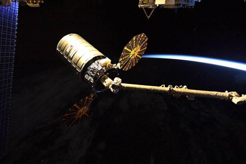 Nasa    astronauta spiò i conti della ex    aperta indagine