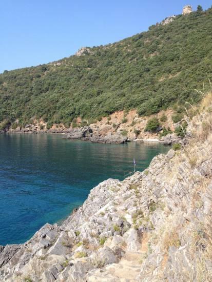 No alle orde di turisti : In spiaggia per non più di un