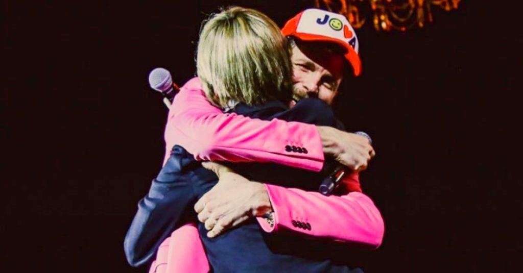 Nadia Toffa |  il ricordo di Jovanotti dal palco è commovente |  applausi e lacrime