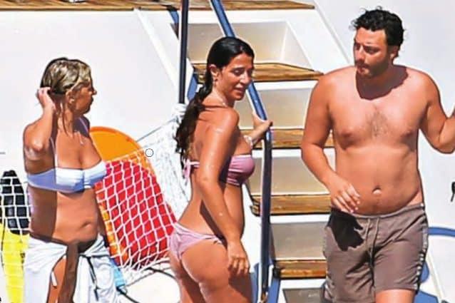 Maria De Filippi e Raffaella Mennoia    relax a bordo dello yacht dopo le polemiche su