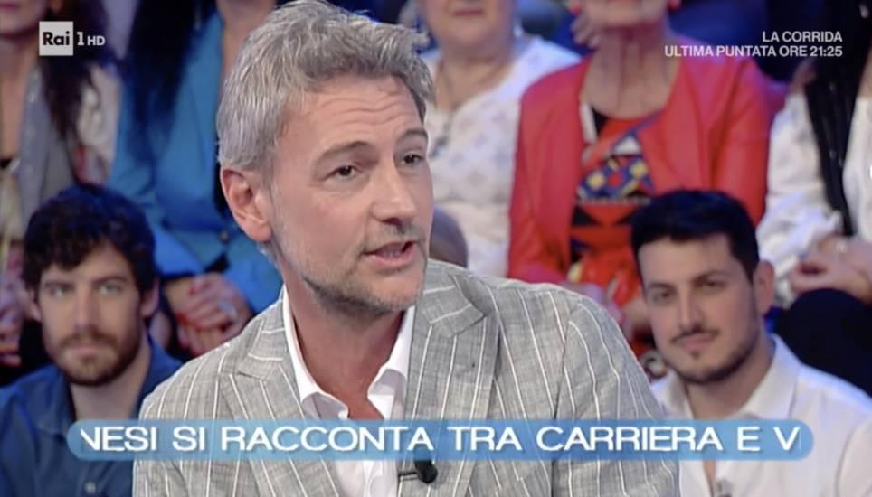 Non mi sposo... però : Roberto Farnesi a 50 anni è pronto per avere un figlio