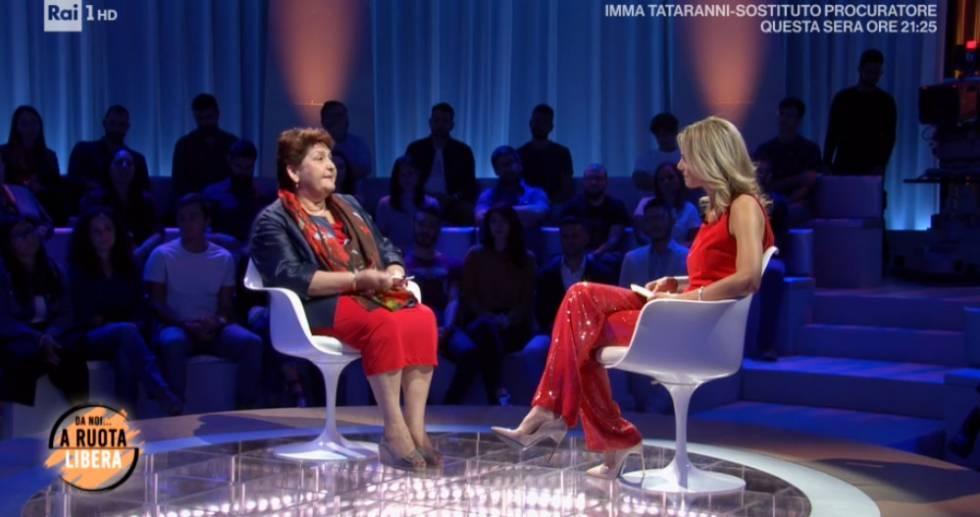 Francesca Fialdini ribatte ad un hater: Indosso le stesse sc