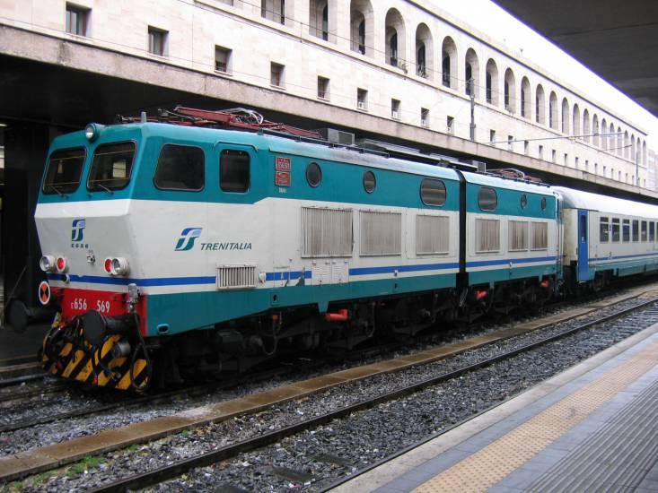 Incendio a una cabina: stop treni tra Roma e Firenze