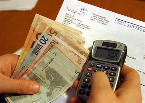 Aumento Bollette del 40% : Circa 250 euro, il governo salva le famiglie