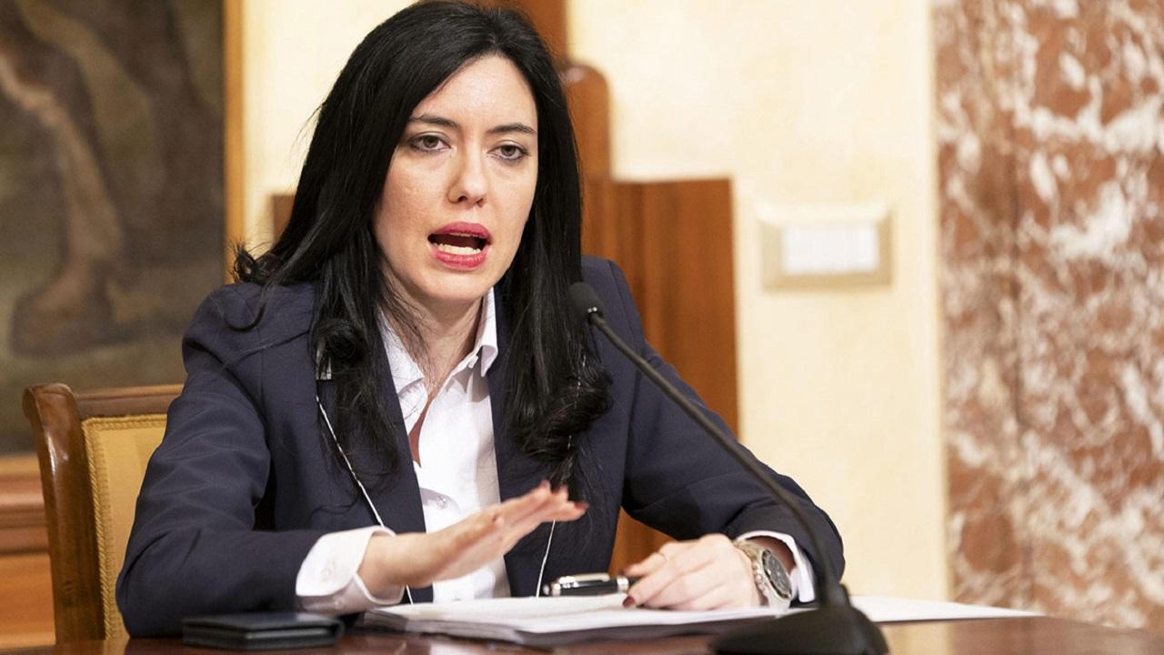 La Ministra Azzolina sconsiderata a far partire il concorso oggi