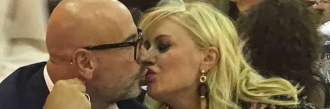 Tina Cipollari festeggia il compleanno del compagno Vincenzo