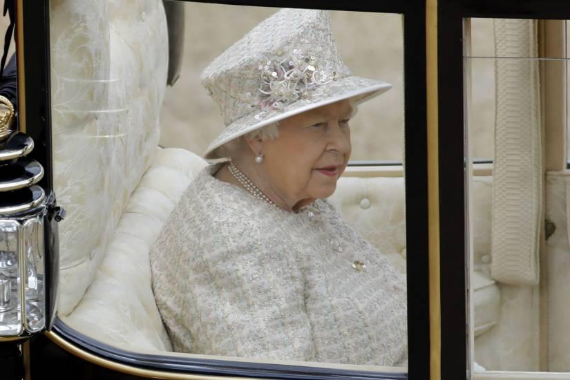 La regina Elisabetta e Kate Middleton soffrirebbero di chine