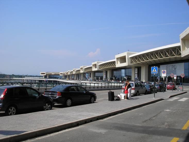 Schiacciato da muletto all'aeroporto di Malpensa! Morto operaio 49enne