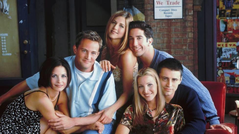 Friends    i protagonisti tornano insieme per una reunion su HBO Max